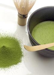 Préparation traditionnelle du thé Matcha