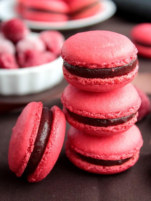 Macarons Chocolat au Lait et Framboise