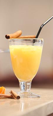 Cocktail jus de mandarine à la vanille