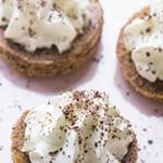 Biscuit Spéculoos croustillant et sa crème fouétée vanille