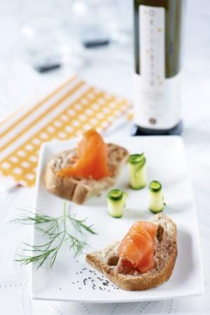 Toasts de saumon fumé et courgette croquante