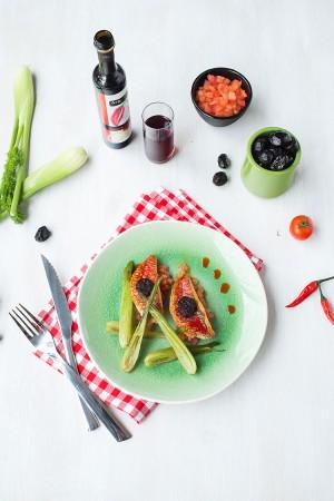 Filets de rougets à la tapenade et huile d'olive au piment d'Espelette