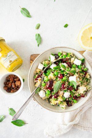 Quinoa, courgette, betterave, petits pois et feta façon taboulé