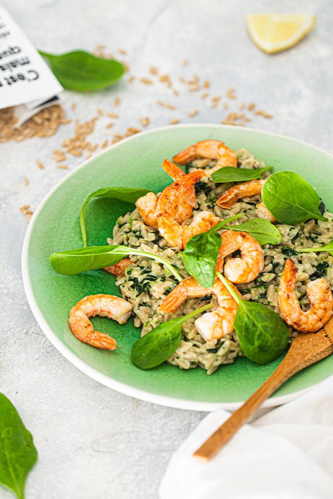 Risotto de risoni aux crevettes et épinards